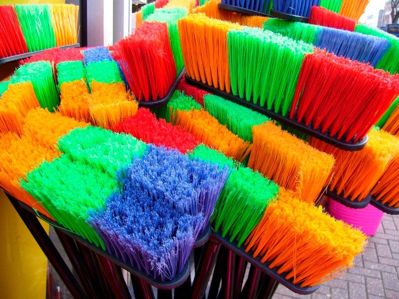 ¿Cómo limpiar las escobas?