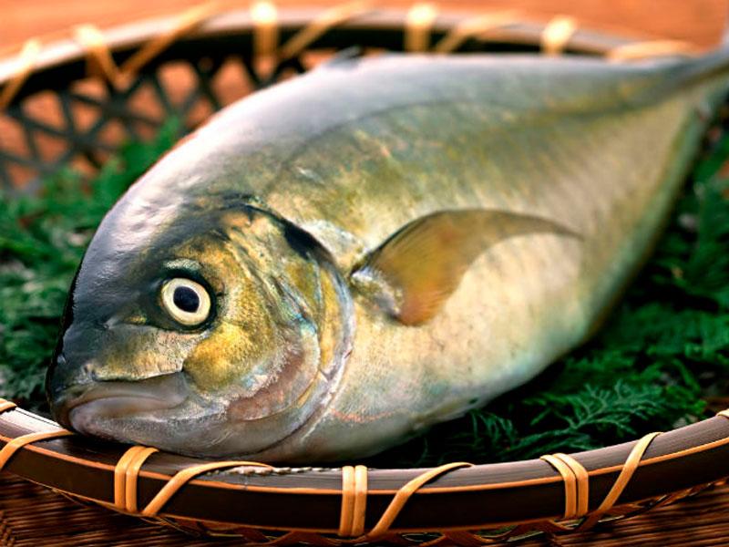 Eliminar el olor a pescado de un recipiente